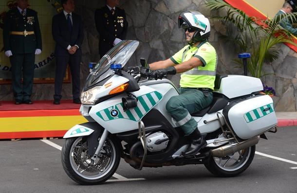 La persecución alertó a los vecinos de El Mayorazgo por el dispositivo policial. / DA
