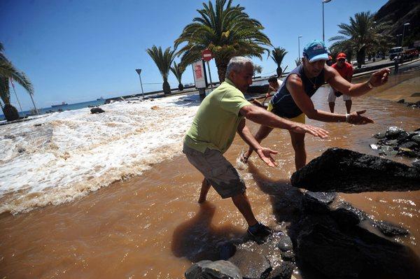 Uno de los enclaves señalados por Costas es el litoral de San Andrés, en Santa Cruz. / FRAN PALLERO