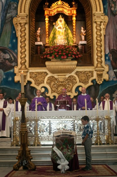 http://www.diariodeavisos.com/wp-content/uploads/2013/10/fp-padre-Jes%C3%BAs-Mendoza-1.jpeg