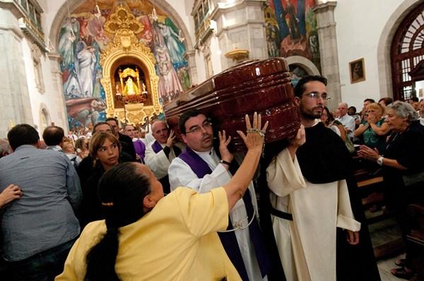 http://www.diariodeavisos.com/wp-content/uploads/2013/10/fp-padre-Jes%C3%BAs-Mendoza-4.jpeg