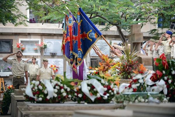 Militares durante la conmemoración / S. Méndez