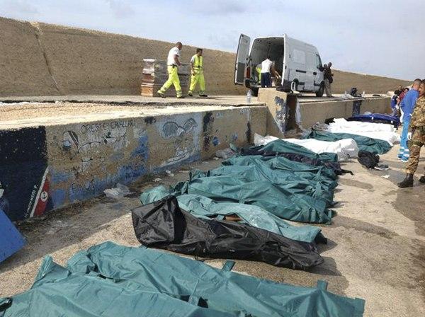 Más de 80 personas han perdido la vida en el naufragio de un barco frente a las costas de Lampedusa