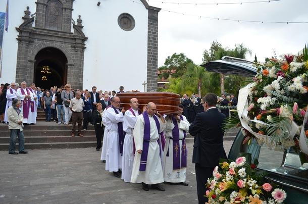 sepelio padre Vicente