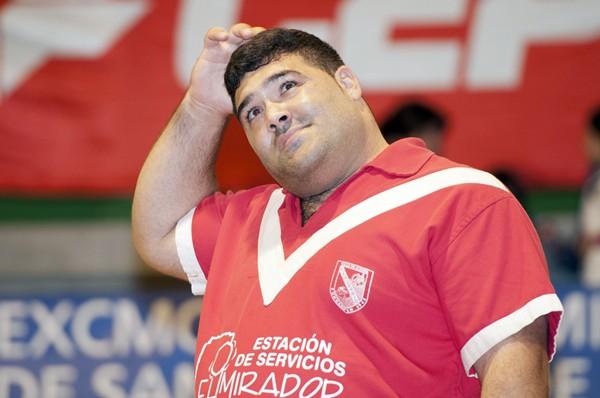 Marcos Ledesma debe tirar del carro para que el Rosario Estación de Servicio El Mirador se anote los tres puntos en juego. / DONELIA PÉREZ