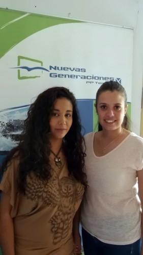 Las dos jóvenes, en la sede del Partido Popular en Granadilla. | N. D.