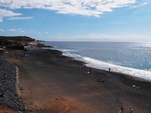la playa de La Enramada en La Caleta de Adeje