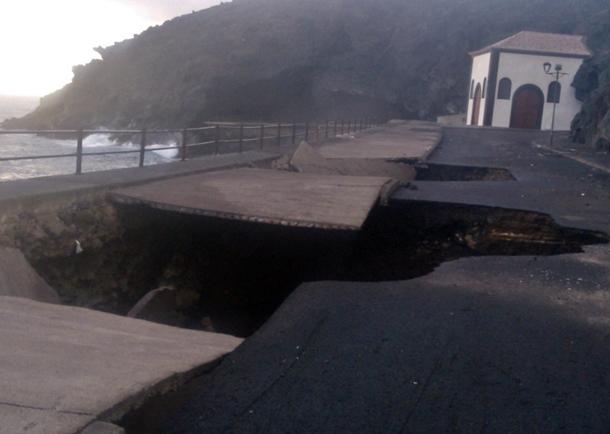 daños oleaje paseo san blas Candelaria