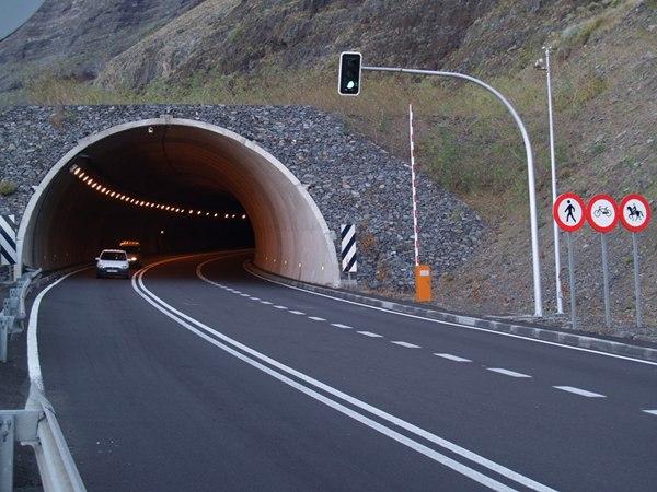 Boca del túnel de Los Roquillos, en el municipio de La Frontera. | DA