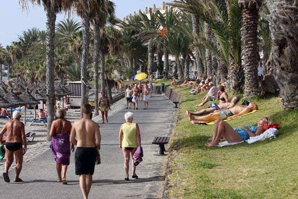 turistas turismo Sur de Tenerife Playas
