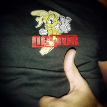 camiseta solidaria en favor de Néstor Jorge