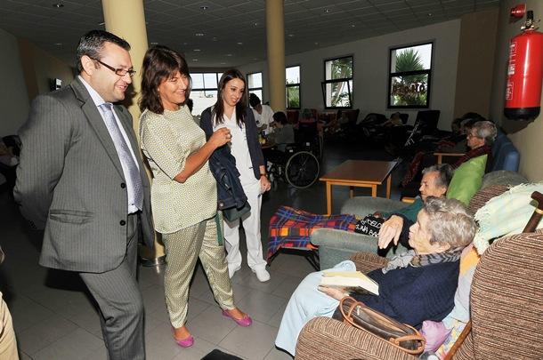 El consejero delegado del IASS, Miguel Ángel Pérez, durante una visita a las instalaciones del Centro Nuestra Señora del Carmen. | DA