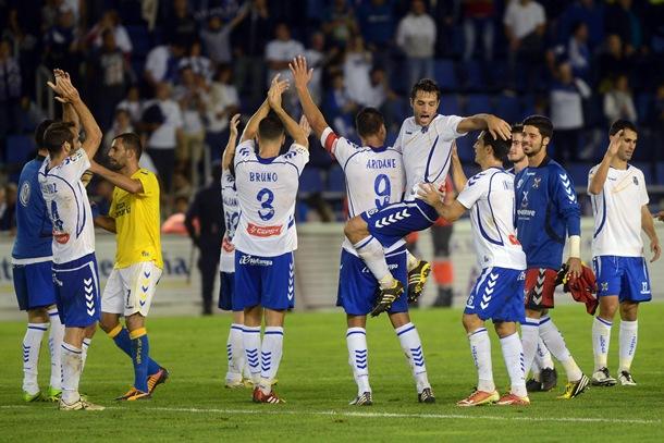 CD TENERIFE UD Las Palmas jugadores festejan triunfo