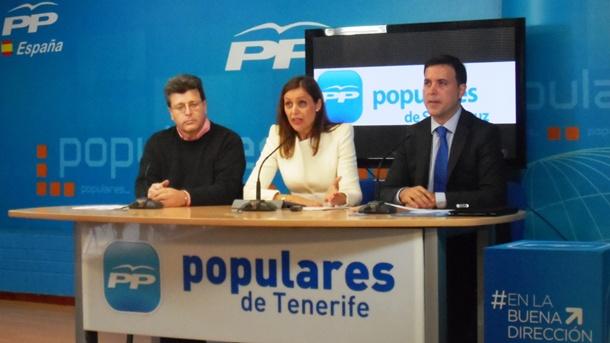 José Carlos Acha (i), Cristina Tavío y Alexis Oliva,