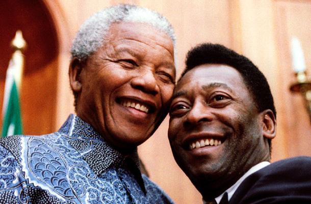 Mandela y Pele, 2005. / REUTERS