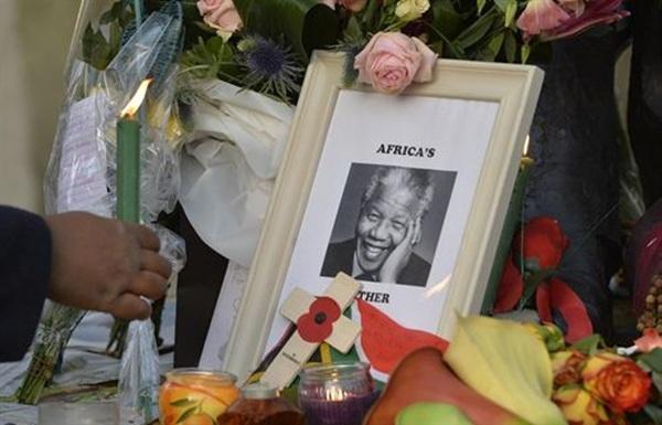 Nelson Mandela dolor