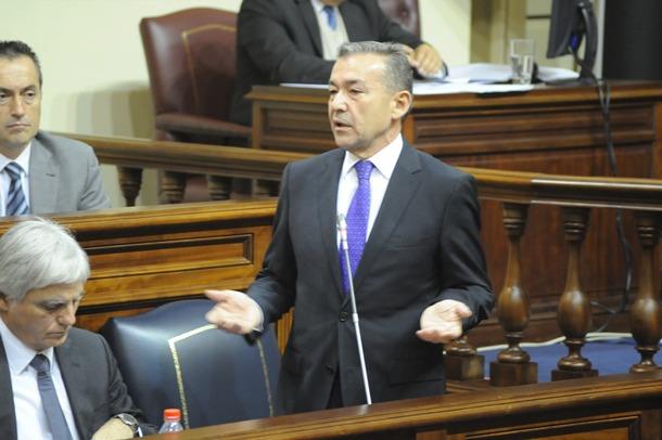 pleno del Parlamento Paulino Rivero