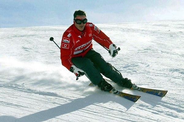 Schumacher, siete veces campeón mundial de F-1, sufrió un accidente cuando esquiaba fuera de pista en la estación de Méribel, y está grave.   REUTERS
