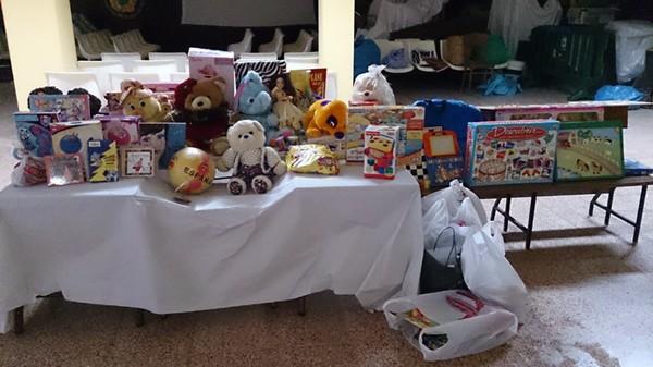 Los juguetes se depositaron en un local de La Medida. / DA