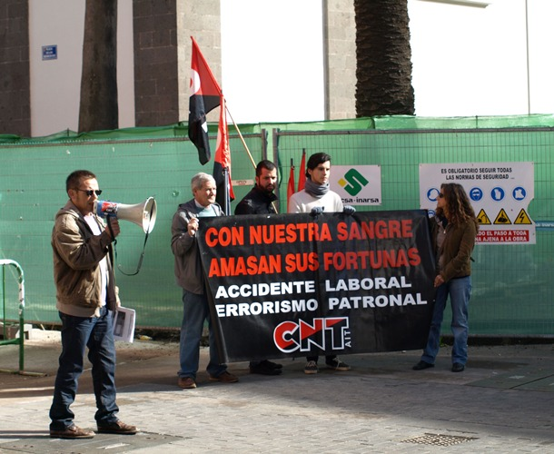 Concentracion CNT Canarias victimas accidentes laborales