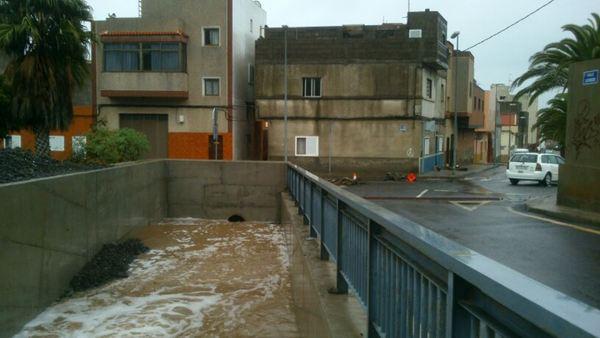 el riesgo de inundaciones persiste por la fuerte lluvia que cayó anoche