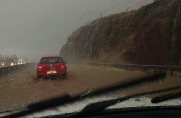 Tramo inundado de la autopista del Sur a la altura de Güímar. | DA