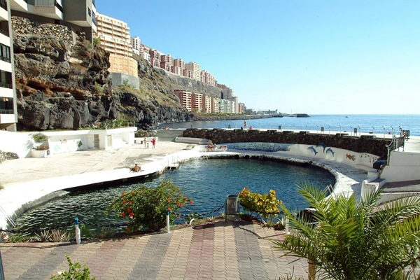 La piscina natural de Tabaiba, antes de los deperfectos que sufrió por el oleaje en 2011. | DA