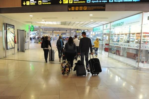 pasajero viaje aeropuerto emigracion