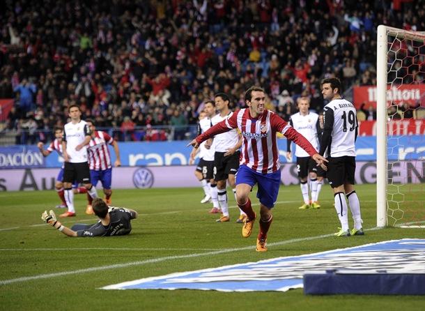 Atlético de Madrid - Valencia Godin celebra gol