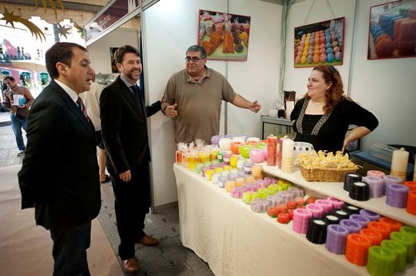 Las dos muestras fueron inauguradas en la mañana de ayer por Carlos Alonso, José Manuel Bermúdez y Fernando Clavijo. / FRAN PALLERO