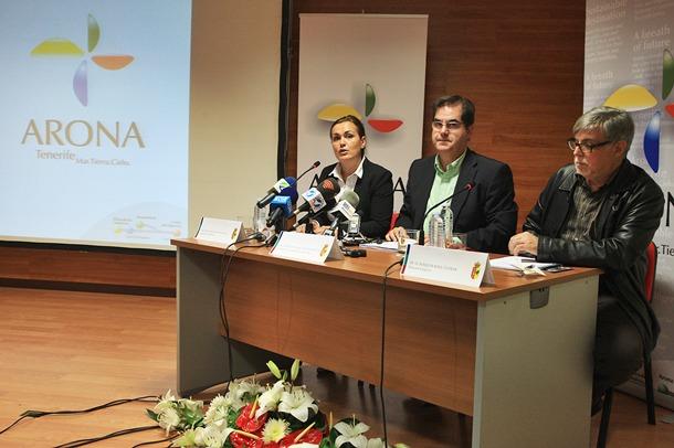 Fitur Arona Turismo  la concejal de Turismo Évelin Santos y el alcalde Francisco Niño