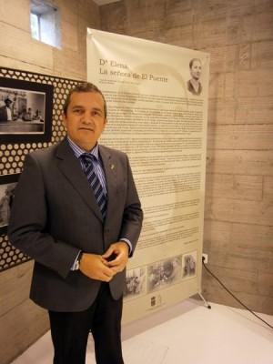 González Évora apuesta por reforzar las ayudas sociales en 2014.   DA