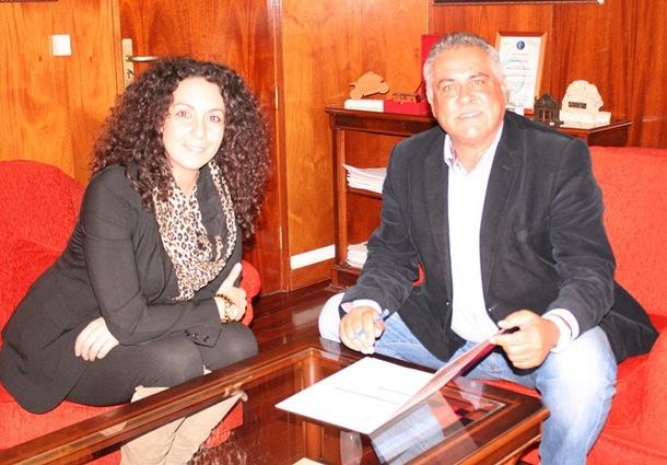 Nuria Delgado y González Cejas explicaron los detalles de la campaña de Fitur. / DA