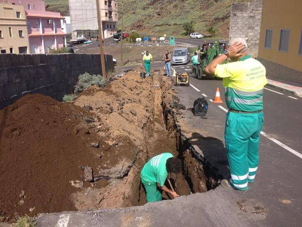 Obras de mejora en la red de abastecimiento de aguas de La Restinga