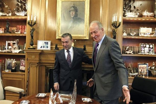 Paulino Rivero y el rey Juan Carlos en La Zarzuela
