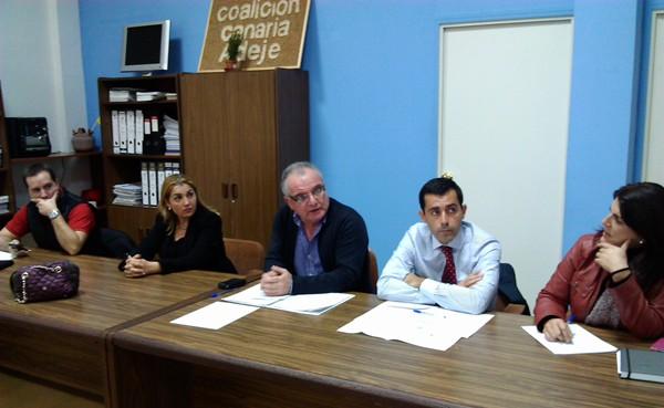 Concejales de CC en el Sur, durante una reunión esta semana. / DA