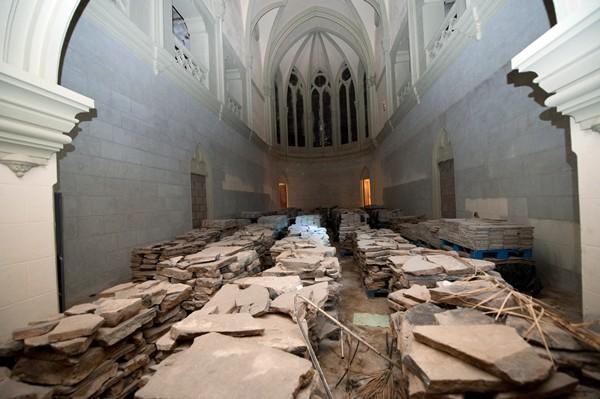 La capilla del antiguo convento y colegio de las Asuncionistas está en buen estado de conservación. / FRAN PALLERO
