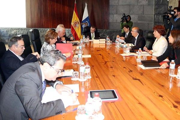Reunión del Consejo de Gobierno, ayer en Santa Cruz de Tenerife. | DA