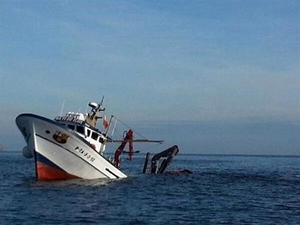 hundimiento de un pesquero en Palamos