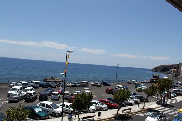 Los aparcamientos están situados justo enfrente del Ayuntamiento. / S. MÉNDEZ