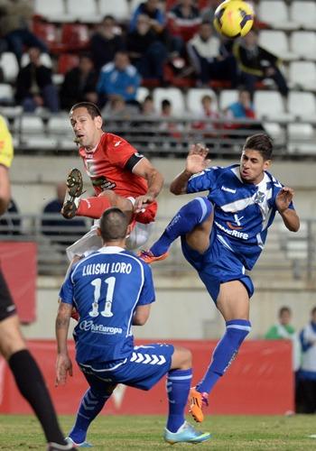 Luismi Loro y Ayoze Murcia y el Tenerife en La Condomina.