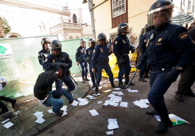 Un momento posterior a la carga policial. | MOISÉS PÉREZ