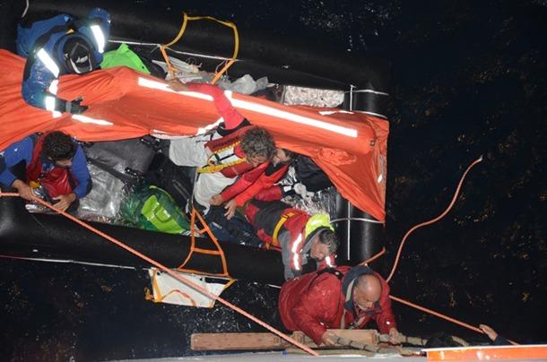 rescate tripulantes Buccaneer por Costa Delicioza