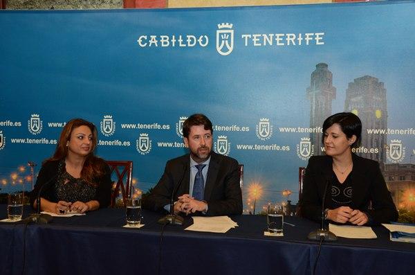 Cristina Valido, Carlos Alonso y Cristo Pérez, en la rueda de prensa de ayer. | DA