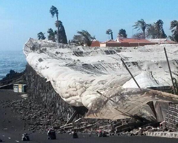 La zona entre Puerto Naos y El Remo sufrió especialmente las consecuencias del mal tiempo.   D. S.
