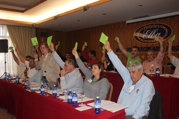 Los asamblearios estuvieron muy activos durante la larga sesión de trabajo.   NOEMI DE LUIS
