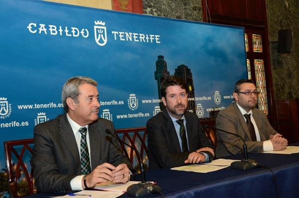 Aurelio Abreu, Carlos Alonso y Miguel Ángel Pérez, ayer durante la rueda de prensa. | DA