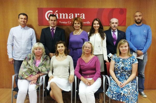 delegación rusa con los representantes de la Cámara tinerfeña.