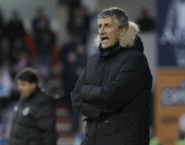 El entrenador del conjunto gallego, en un encuentro anterior de esta temporada con su equipo. | LUISA PORTELA