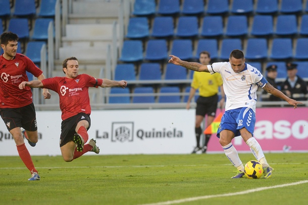 Suso Santana gol CD Tenerife Mirandes
