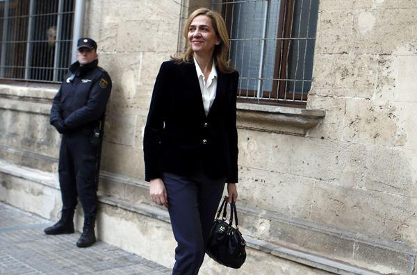 La infanta a su llegada a los juzgados. / REUTERS